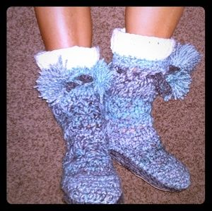 Customizable POM POM sweater boots